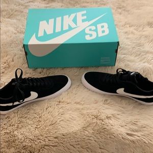 Nike SB black and white size 11 never worn!